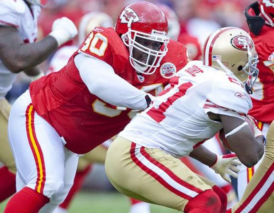 Chiefs defensive end Shaun Smith has attracted attention for his rough conduct in piles. Photo: MIKE RANSDELL, The Kansas City Star