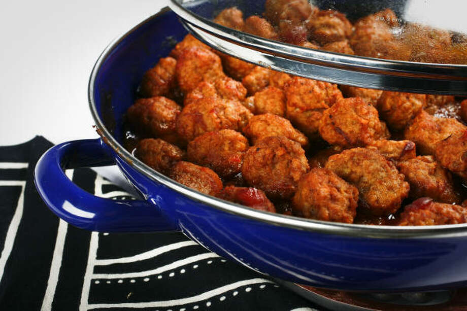 Sweet and Spicy Meatballs Photo: MICHAEL PAULSEN :, CHRONICLE