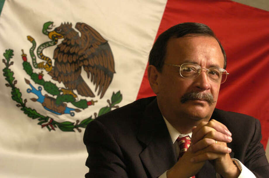 Carlos Ignacio González Magallón, cónsul de México en Houston. Photo: BRETT COOMER, HOUSTON CHRONICLE