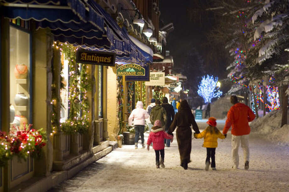An evening walk through downtown Aspen. Photo: Hal Williams