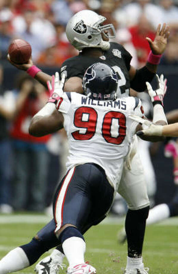 Mario Williams is tied for 18th place in the NFL with eight sacks on the season. Photo: Karen Warren, Houston Chronicle