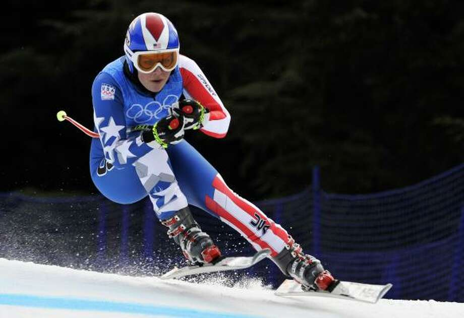 Testing her shin on the downhill course Monday, Lindsey Vonn had a positive run and a negative one. Photo: FABRICE COFFRINI, AFP/Getty Images