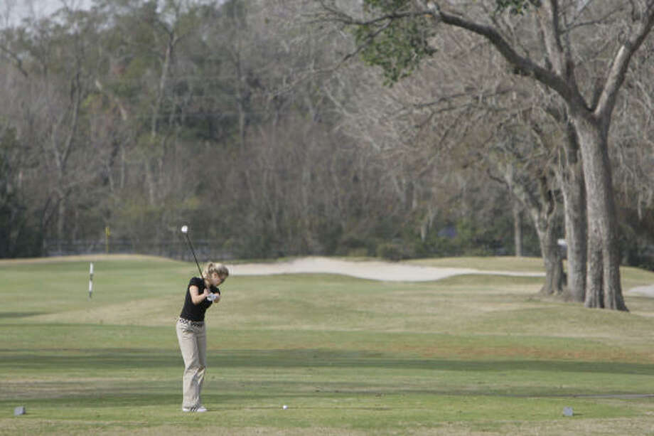 Bear Creek is among the courses offering specials for wintertime golfers. Photo: Melissa Phillip, Houston Chronicle