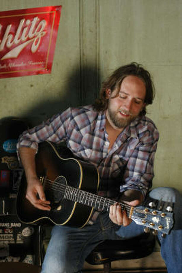 Hayes Carll is still debating what to title his soon-to-be-released new album. Photo: Johnny Hanson, Houston Chronicle
