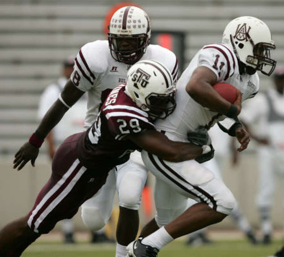TSU's Jashaad Gaines (29) is tied for the team lead in sacks with four. Photo: ERIC CHRISTIAN SMITH, For The Chronicle