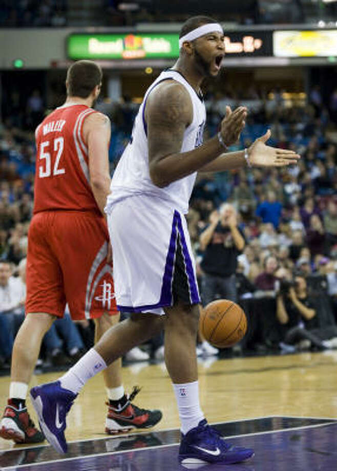 Kings rookie DeMarcus Cousins was unable to get under the skin of Rockets veteran Brad Miller. Photo: Paul Kitagaki Jr., MCT