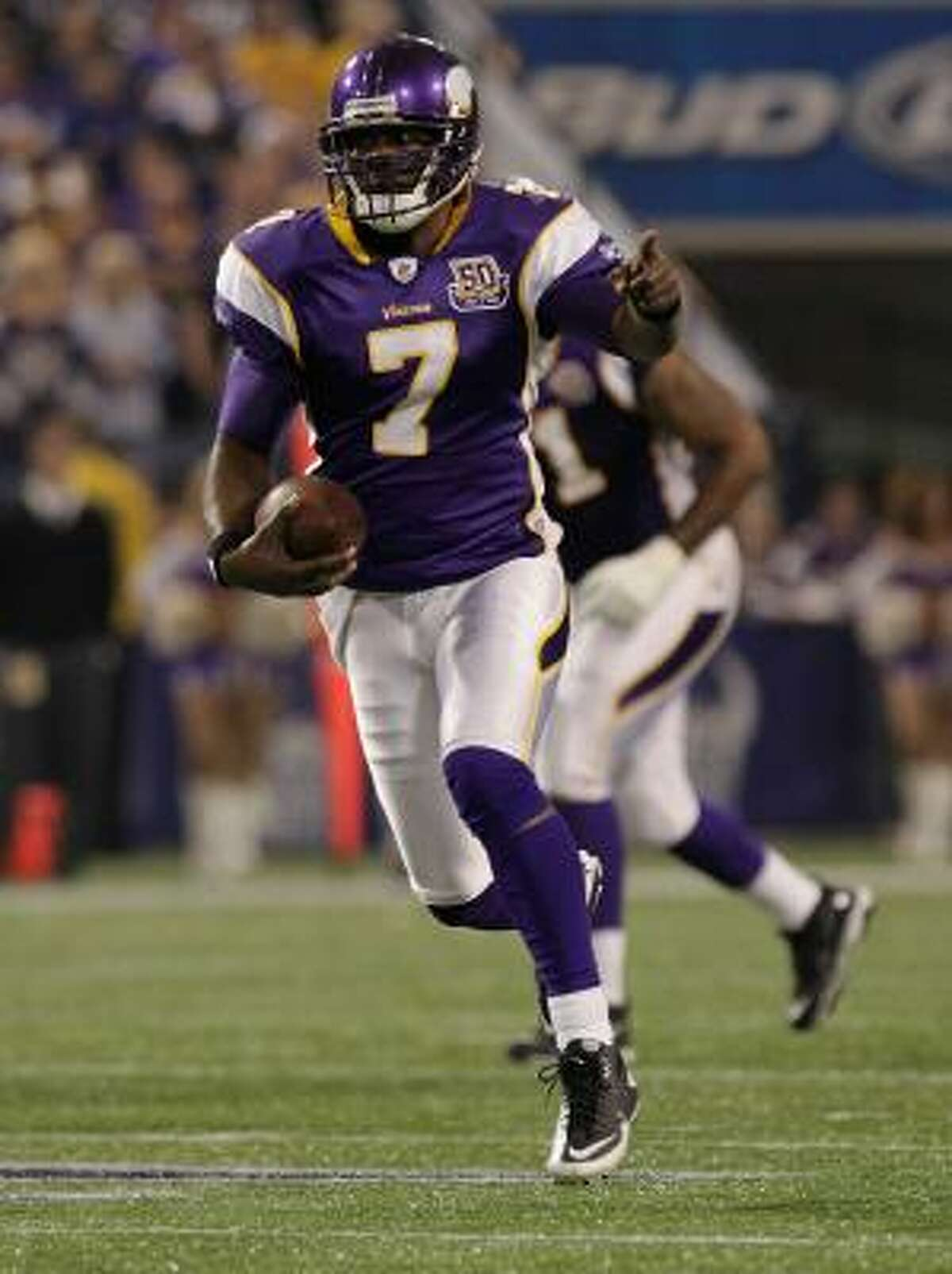 Vikings 38, Bills 14 Vikings quarterback Tavaris Jackson filled in for an injured Brett Favre and guided his team to a win at home.