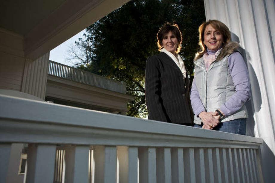 Sallie Gordon, left, and Penny Jones are the authors of Houston's Courtlandt Place. Photo: Eric Kayne, Chronicle