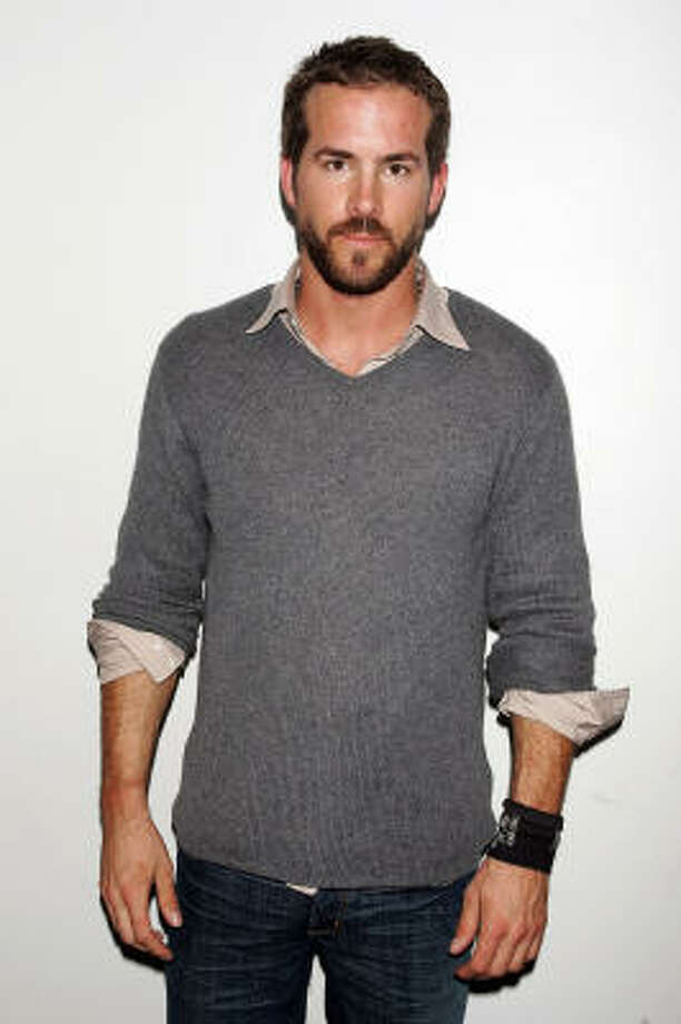Sexiest man alive Ryan Reynolds sporting a sexy beard Photo: Scott Gries, Getty Images