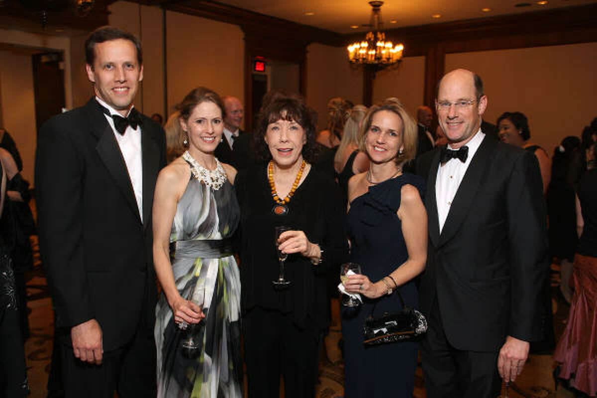 Gala co-chairs Scott and Rachel Clingman, Lily Tomlin, and gala co-chairs Alie and David Pruner at the LOL With Lily event benefiting Houston Area Women's Center.