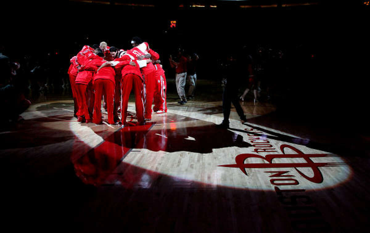 Rockets players get ready to face the Oklahoma City Thunder.