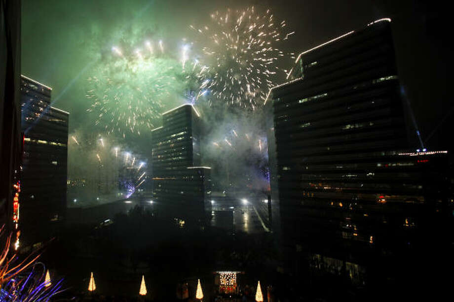 Fireworks start the season with a bang. Photo: Michael Paulsen, Chronicle