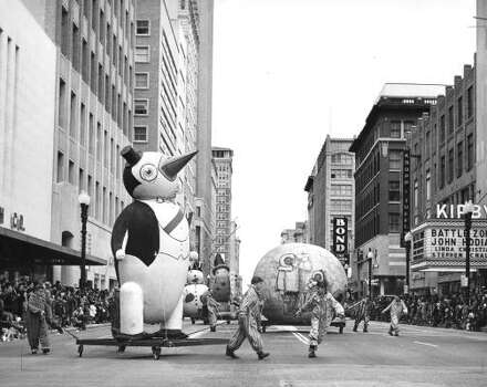 Penguin and pals at the 1952 Foley's Thanksgiving Day Parade. Photo: Chronicle File