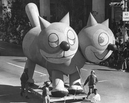 Siamese cat balloon at the 1968 Foley's Thanksgiving Day Parade. Photo: Jim Coker, Chronicle File