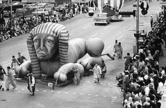 Sphinx balloon during the 1963 Foley's Thanksgiving Day Parade. Photo: Gilles Swinkels, Chronicle File