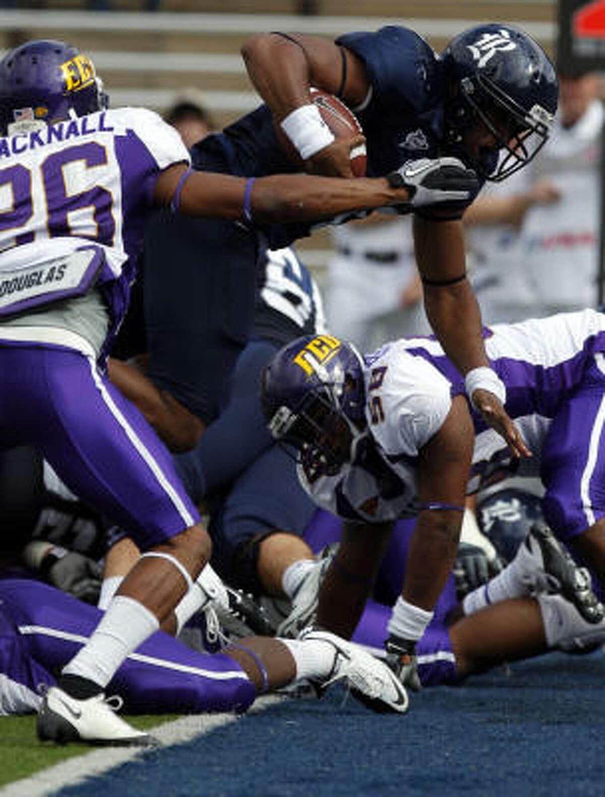 Jeremy Eddington records a touchdown in Rice's offensive outburst.