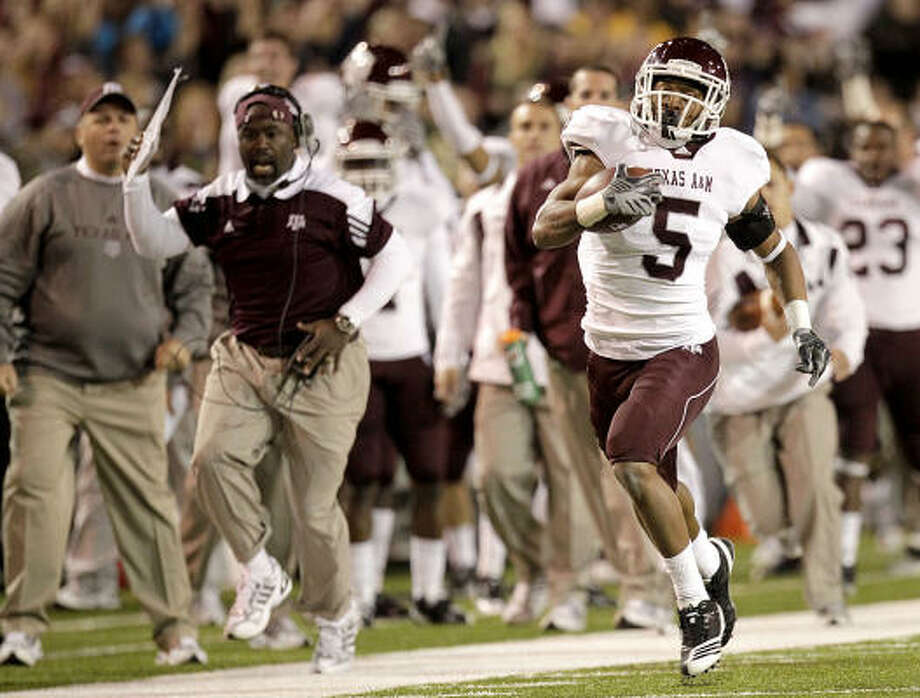 Nov. 13: No. 23 Texas A&M 42, Baylor 30Texas A&M's Coryell Judie returns a kickoff 84 yards for a touchdown to put the Aggies on the scoreboard with 8:24 left in the first quarter of Saturday's game in Waco. The Aggies trailed 30-14 in the second quarter, but closed the game with 28 unanswered points. Photo: Julio Cortez, Chronicle