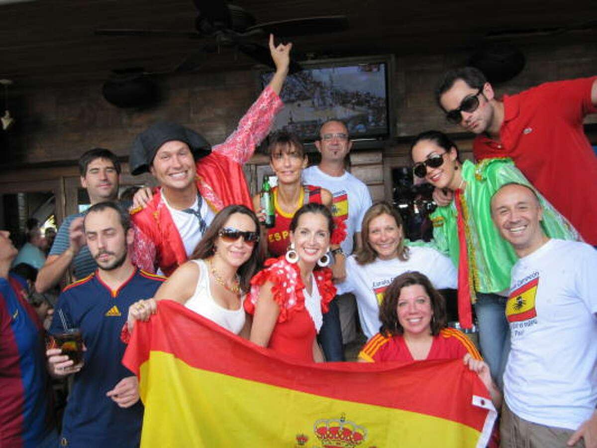A la distancia, la comunidad española de Houston celebró en 2010 el triunfo de la Roja en el Mundial de fútbol de Sudáfrica.