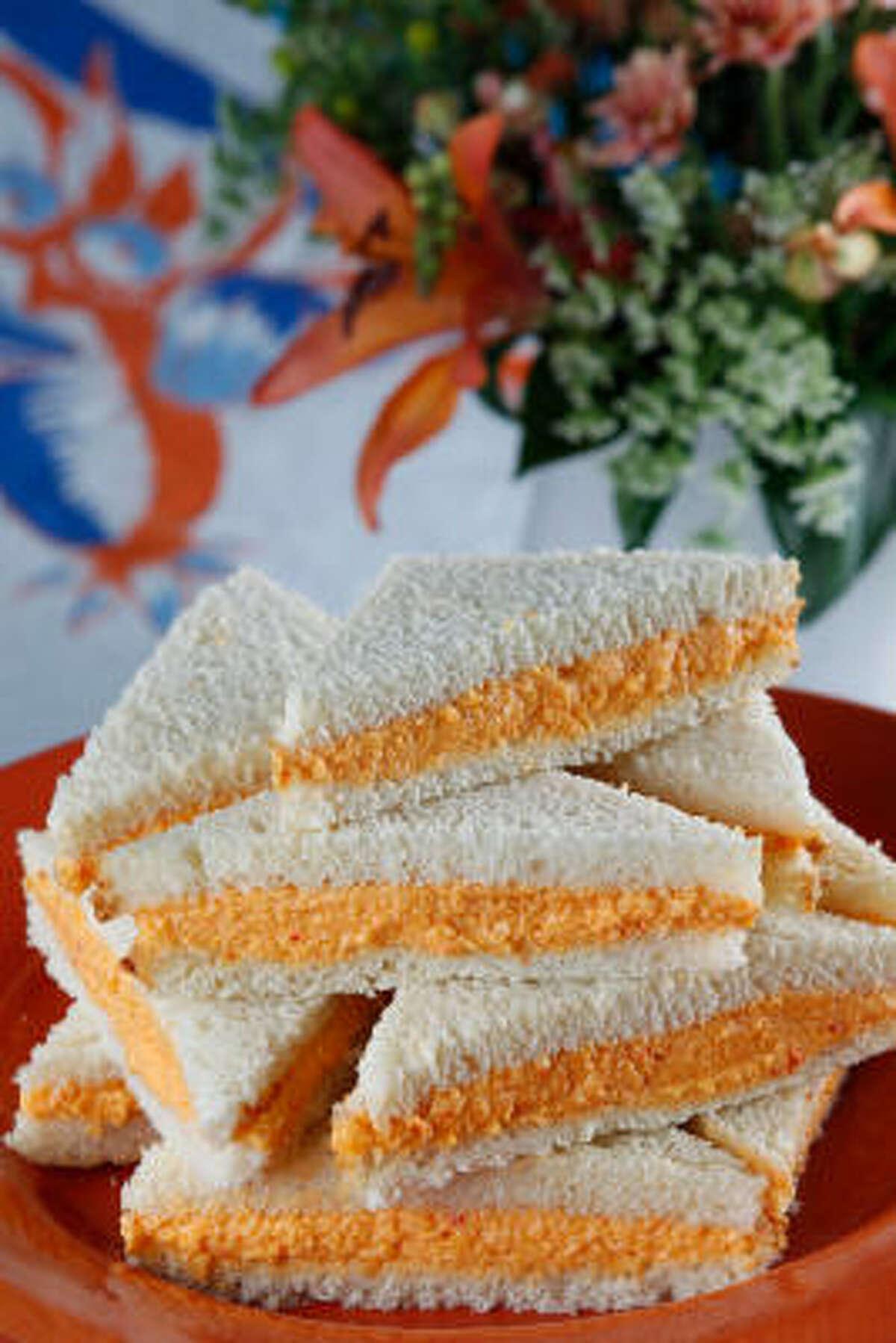Blue-Ribbon Pimento Cheese sandwiches