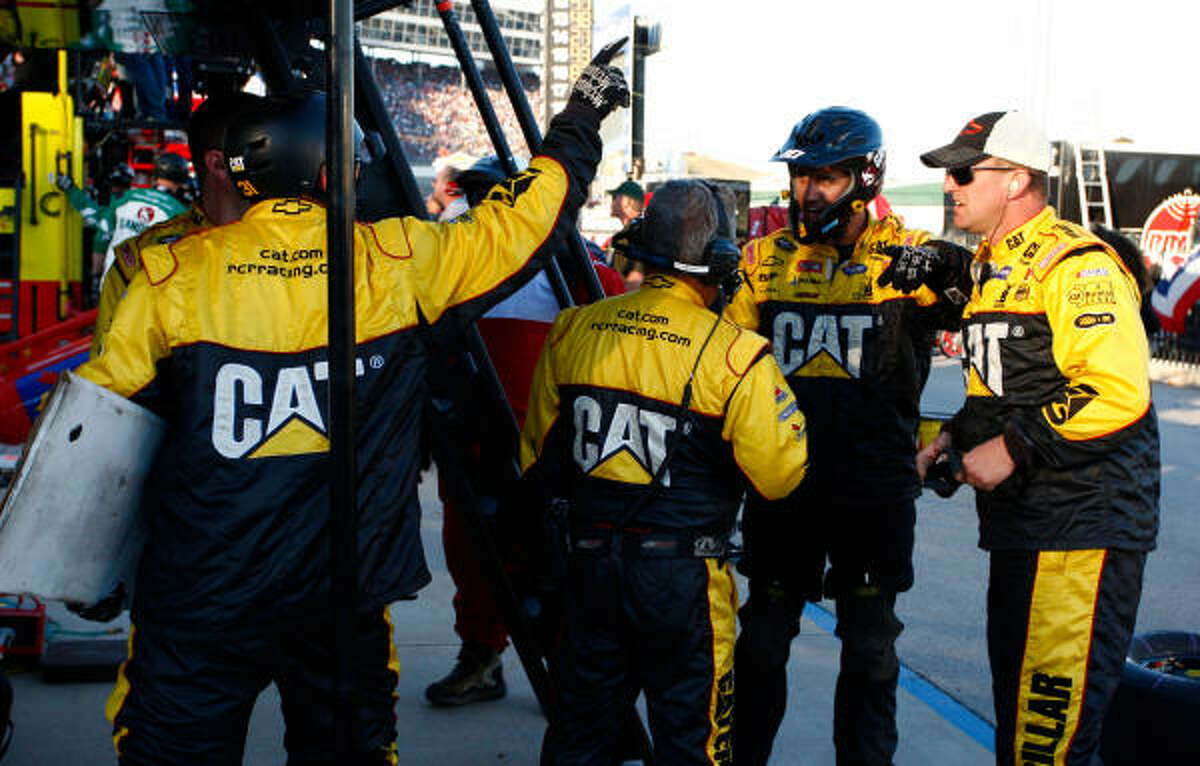 Jeff Burton's pit crew discusses action to take after their driver ran into Jeff Gordon under caution and damaged both cars.