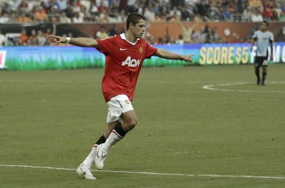 While hosting the All-Star Game, the Dynamo capitalized on the popularity of Manchester United's Javier Hernandez. Photo: David J. Phillip, AP