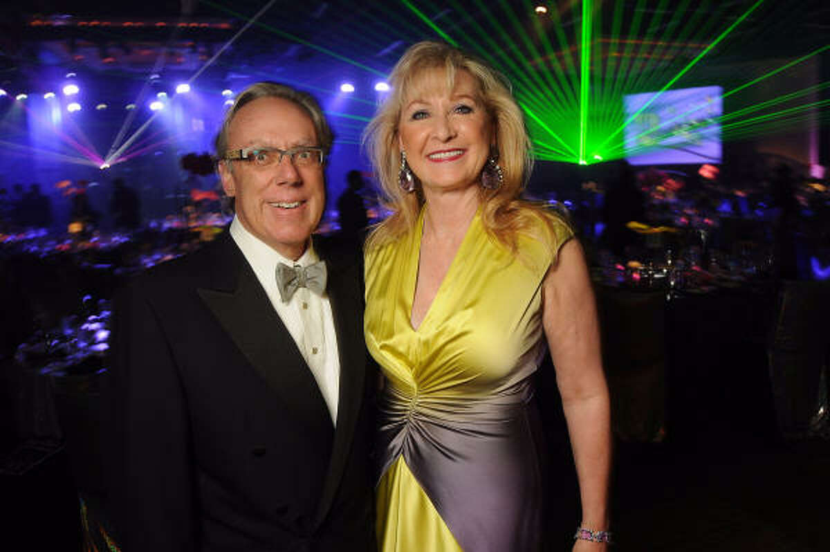Carol and Mike Linn at the Houston Children's Charity's 14th Annual Gala at the Hyatt Regency.