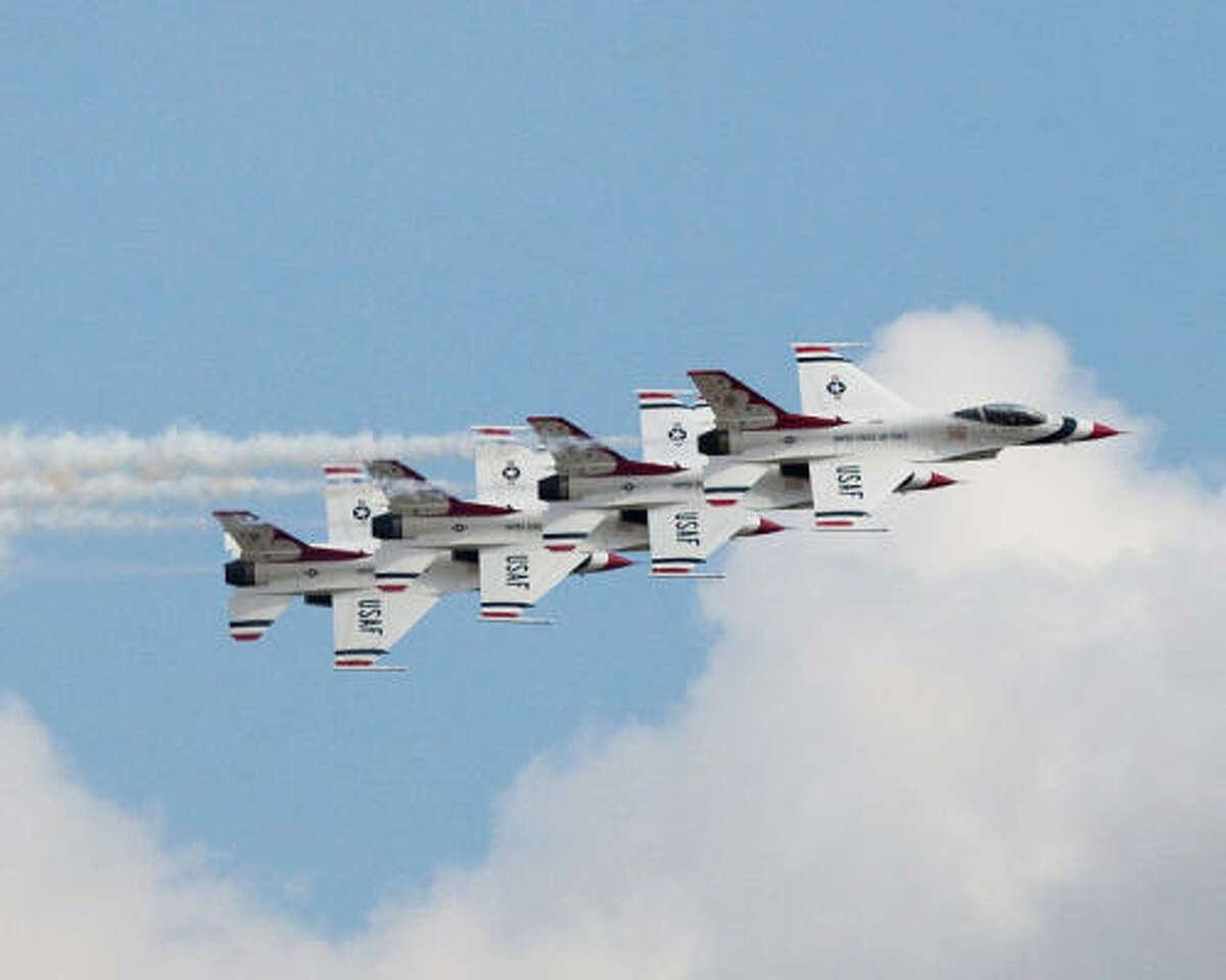 Thunderbirds in formation ...