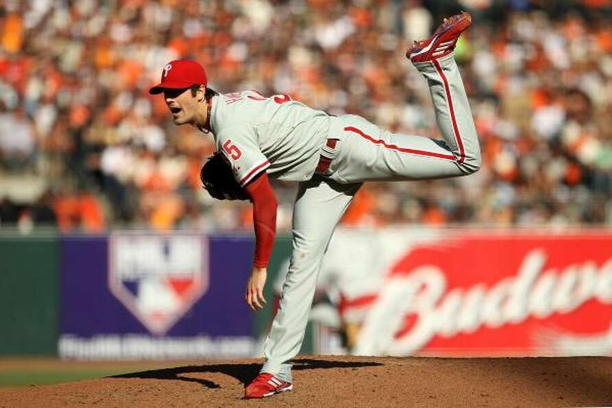 Cole Hamels was outdueled by the Giants' Matt Cain.