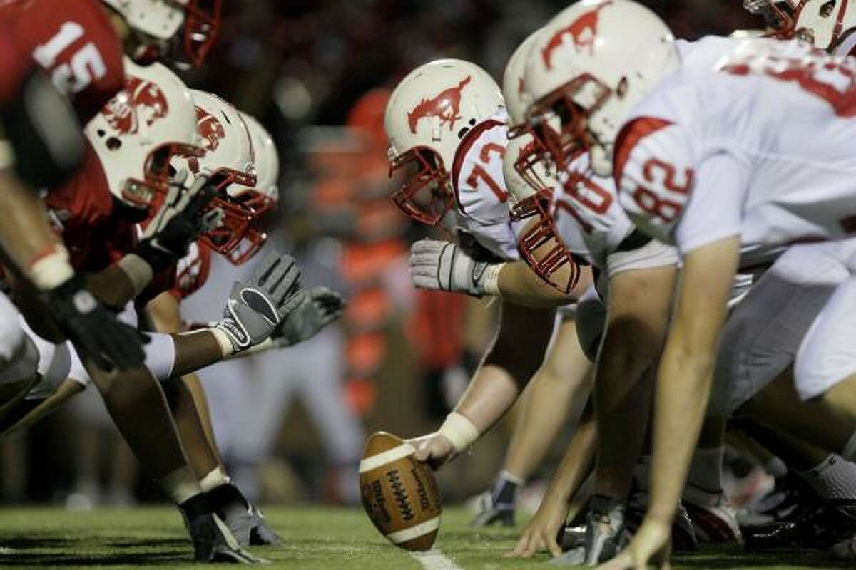 Katy improved 5-0 in District 19-5A and Memorial dropped to 2-3 in district play.