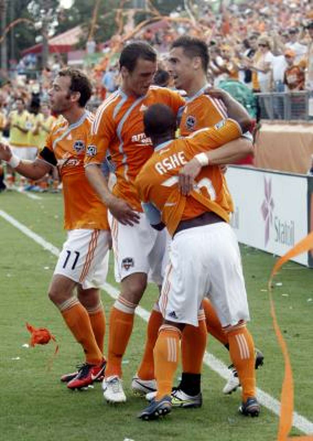 The Dynamo thanked their rabid fans with a 2-1 win.
