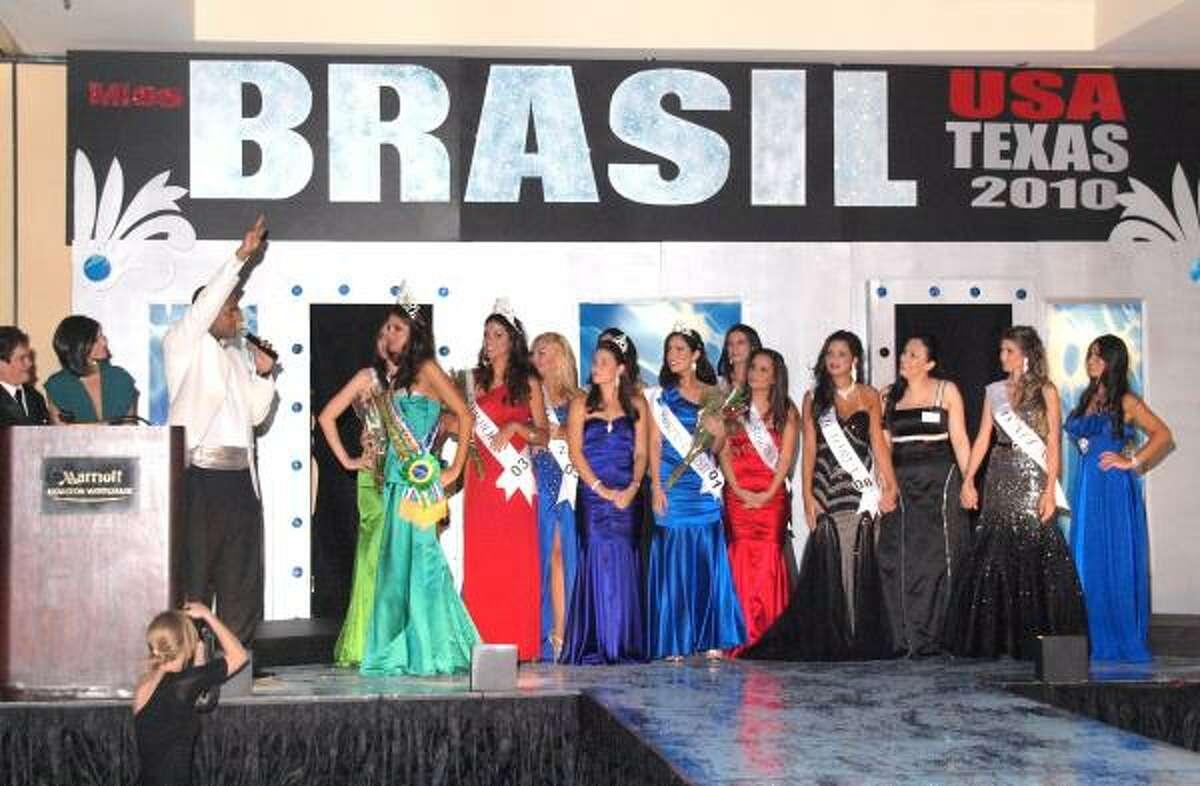 Miss Brasil USA-Texas 2010: belleza y conocimiento.