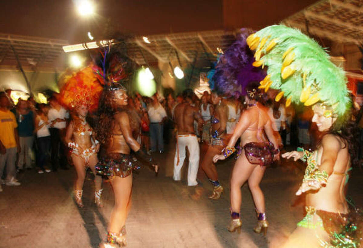 Samba, en pleno carnaval en Houston.