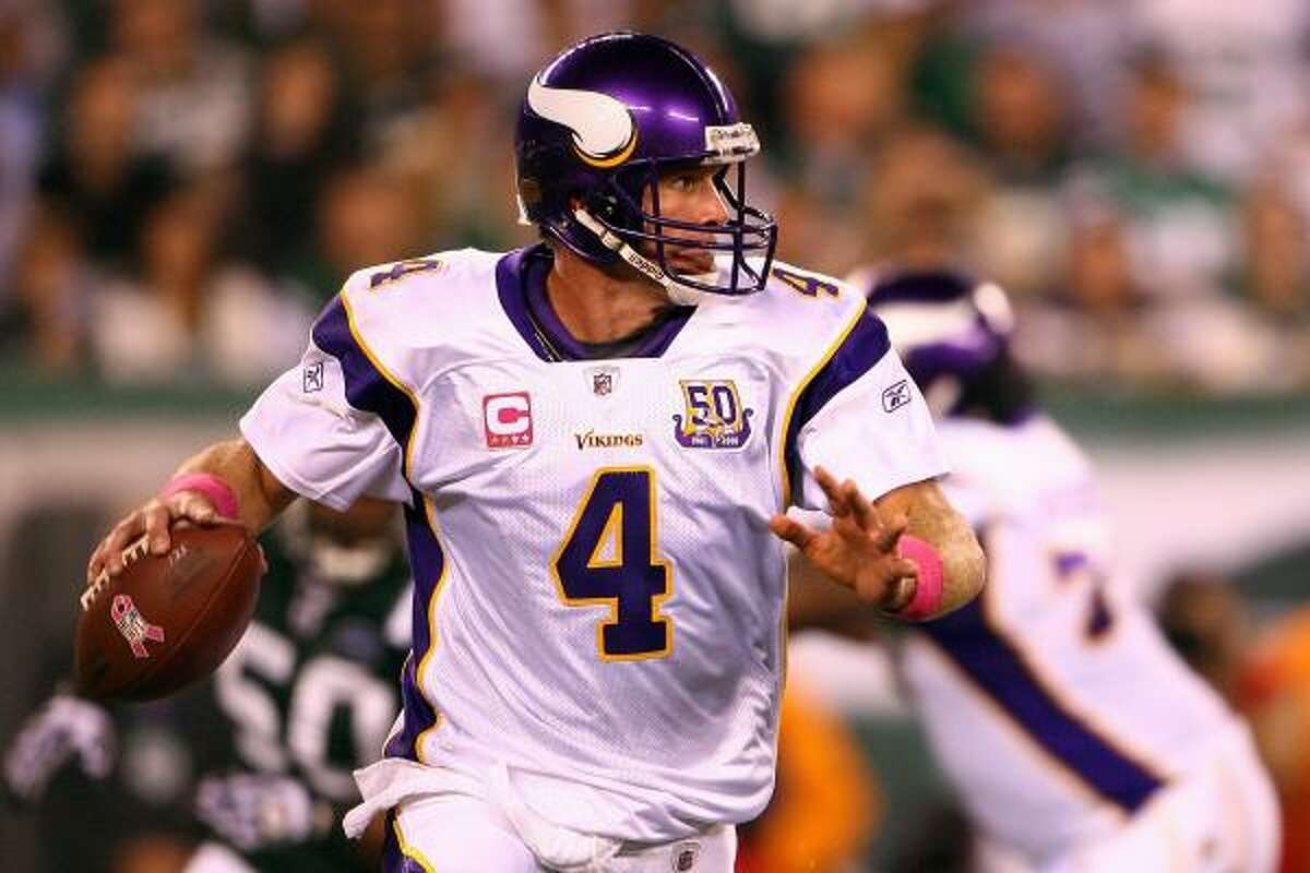 Oct. 11: Jets 29, Vikings 20 Vikings quarterback Brett Favre completed 14 of 34 passes for 264 yards, three touchdowns and one interception. Jets quarterback Mark Sanchez threw neither a touchdown pass nor an interception.