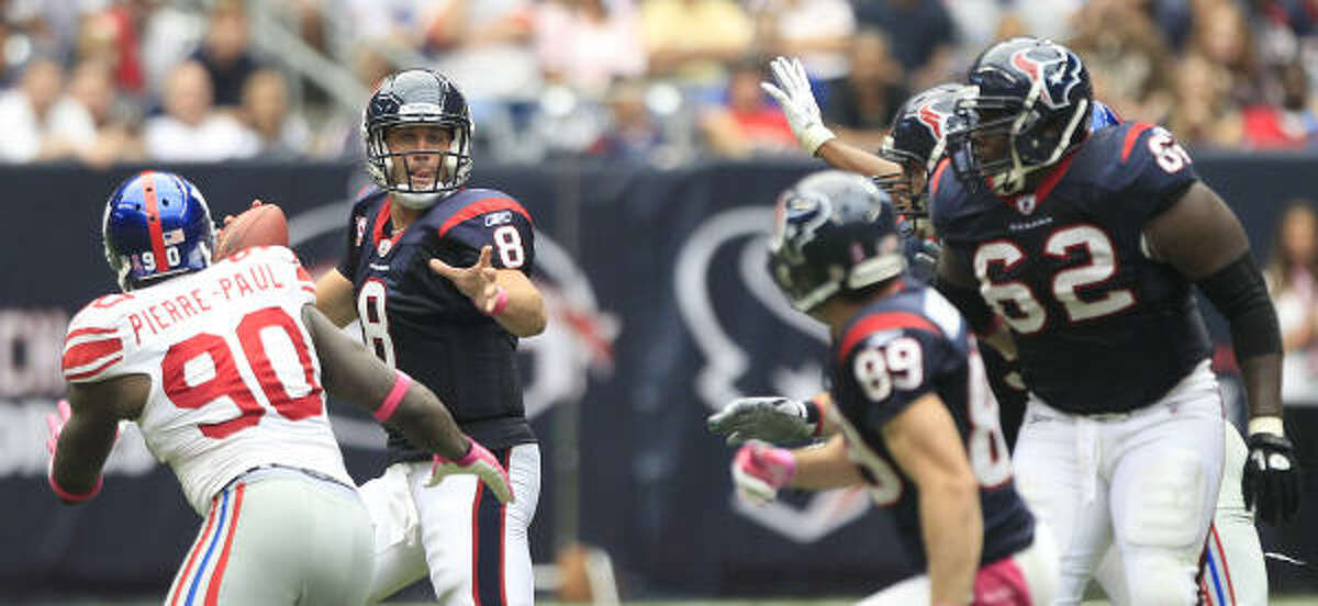 Texans quarterback Matt Schaub (8) tries to complete a pass to wide receiver David Anderson (89) in the second quarter.