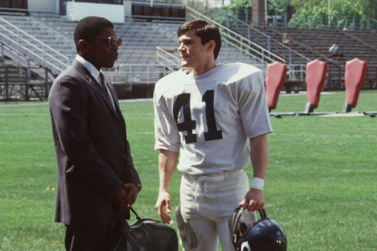 Brian's Song (2001) is a remake adapted from the 1971 Emmy-winning drama based on true story about two football players', Gale Sayes and Brian Piccolo, friendship was affected when one found out he contracted a fatal disease.