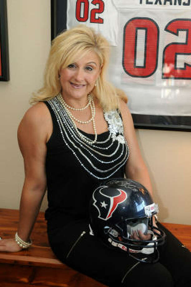 Cypress resident Shannon Perry will sing the national anthem at the Houston Texans game on Nov. 7. Photo by Jerry Baker: For the Chronicle.