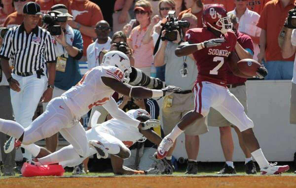 Oct. 2: Oklahoma 28, Texas 20 Oklahoma running back DeMarco Murray (7) rushed for 115 yards and two touchdowns in Saturday's win over Texas.