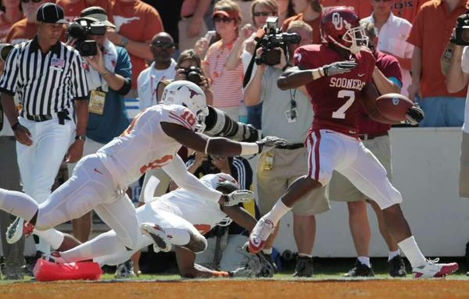 Oct. 2: Oklahoma 28, Texas 20Oklahoma running back DeMarco Murray (7) rushed for 115 yards and two touchdowns in Saturday's win over Texas. Photo: Billy Smith II, Chronicle