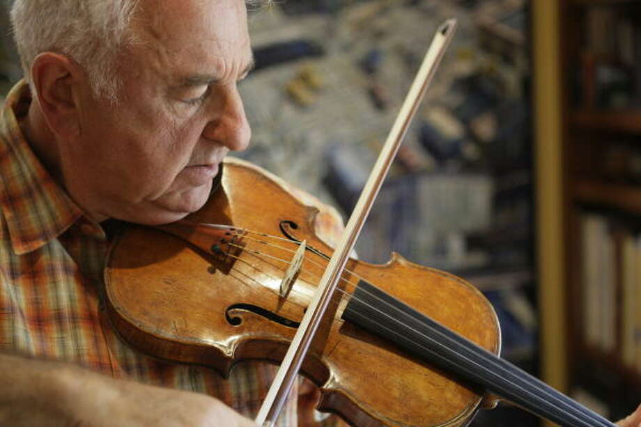 Renowned violinist Sergiu Luca was most recently a professor at Rice University and artistic director of Context. Photo: Melissa Phillip, Houston Chronicle