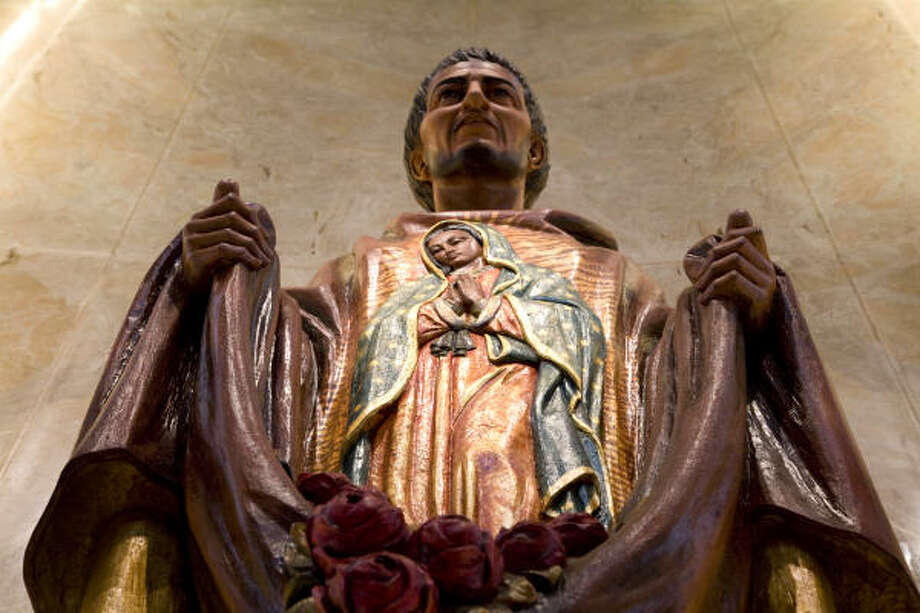 A statue St. Juan Diego . Photo: Smiley N. Pool, Chronicle