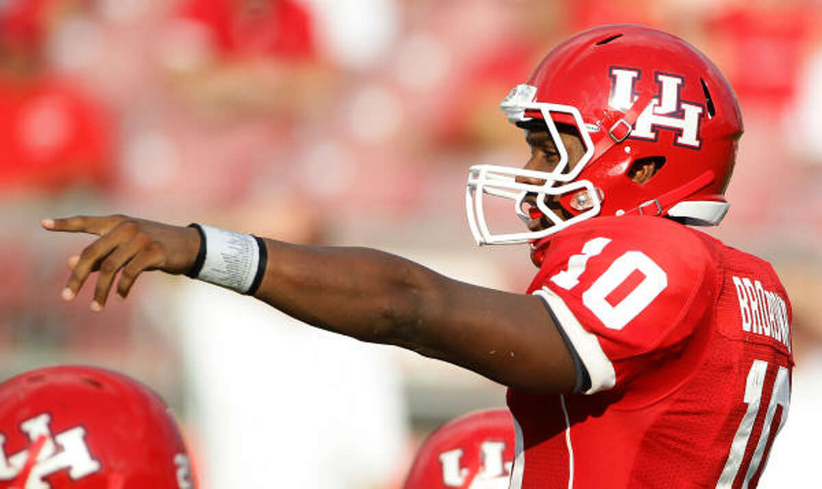 Terrance Broadway leaves after 30 completions, 42 attempts, 424 yards and three touchdowns.