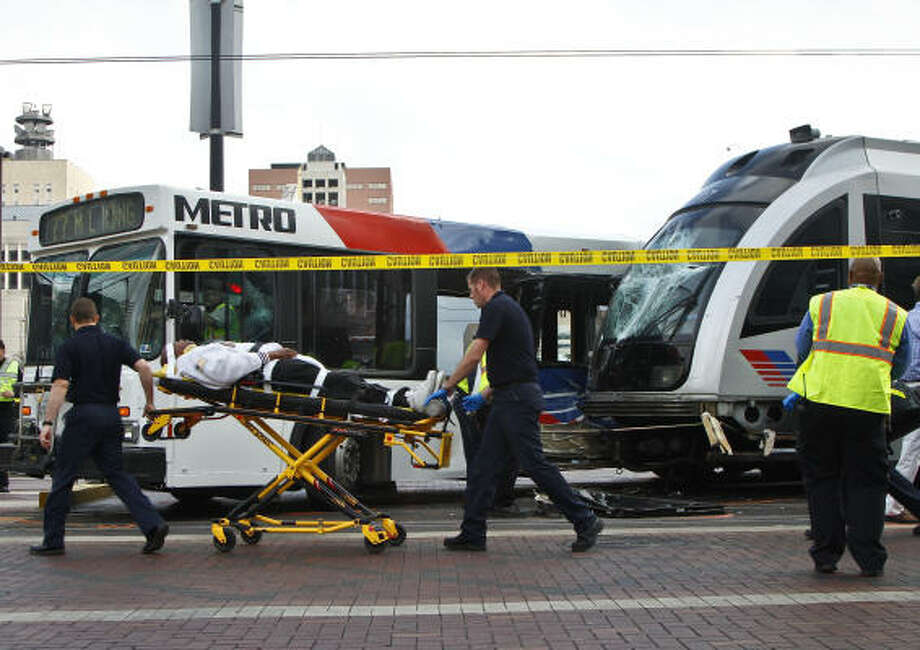 Collisions involving MetroRail may be rare, but Metro's buses average nearly three traffic accidents a day. Photo: Michael Paulsen, Chronicle