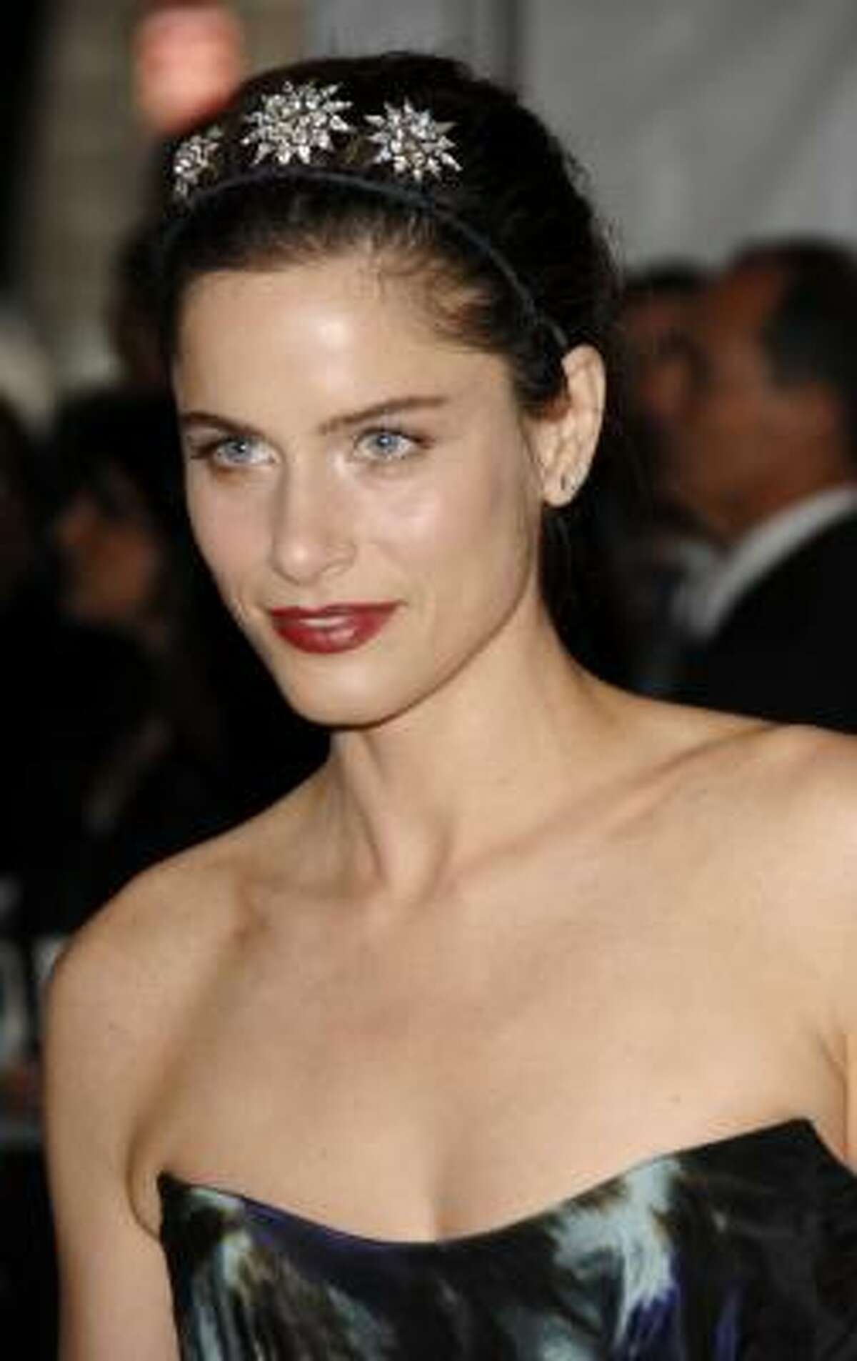 Amanda Peet: gorgeous skin hot What's so wrong with being a cougar? At MomHouston.com.