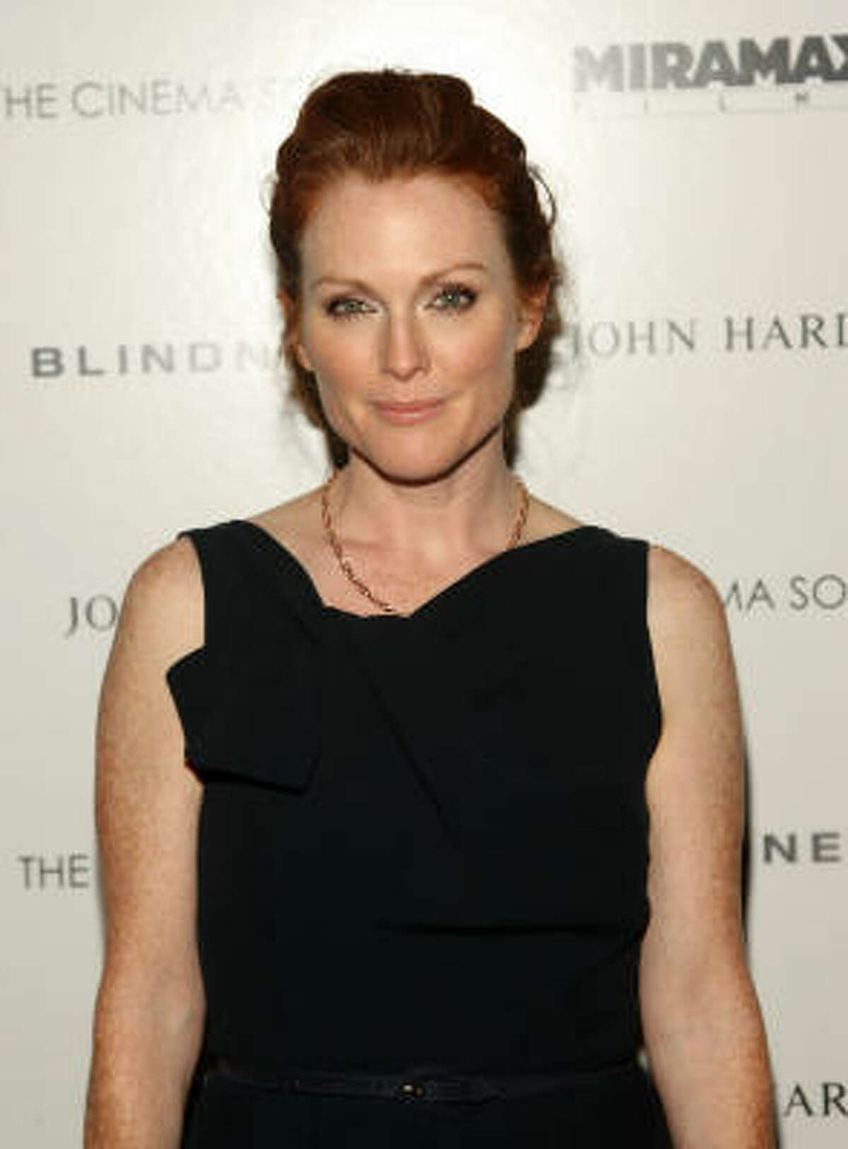 Julianne Moore The redheaded actress is an atheist who supports a number of progressive causes, including abortion rights and same-sex marriage.