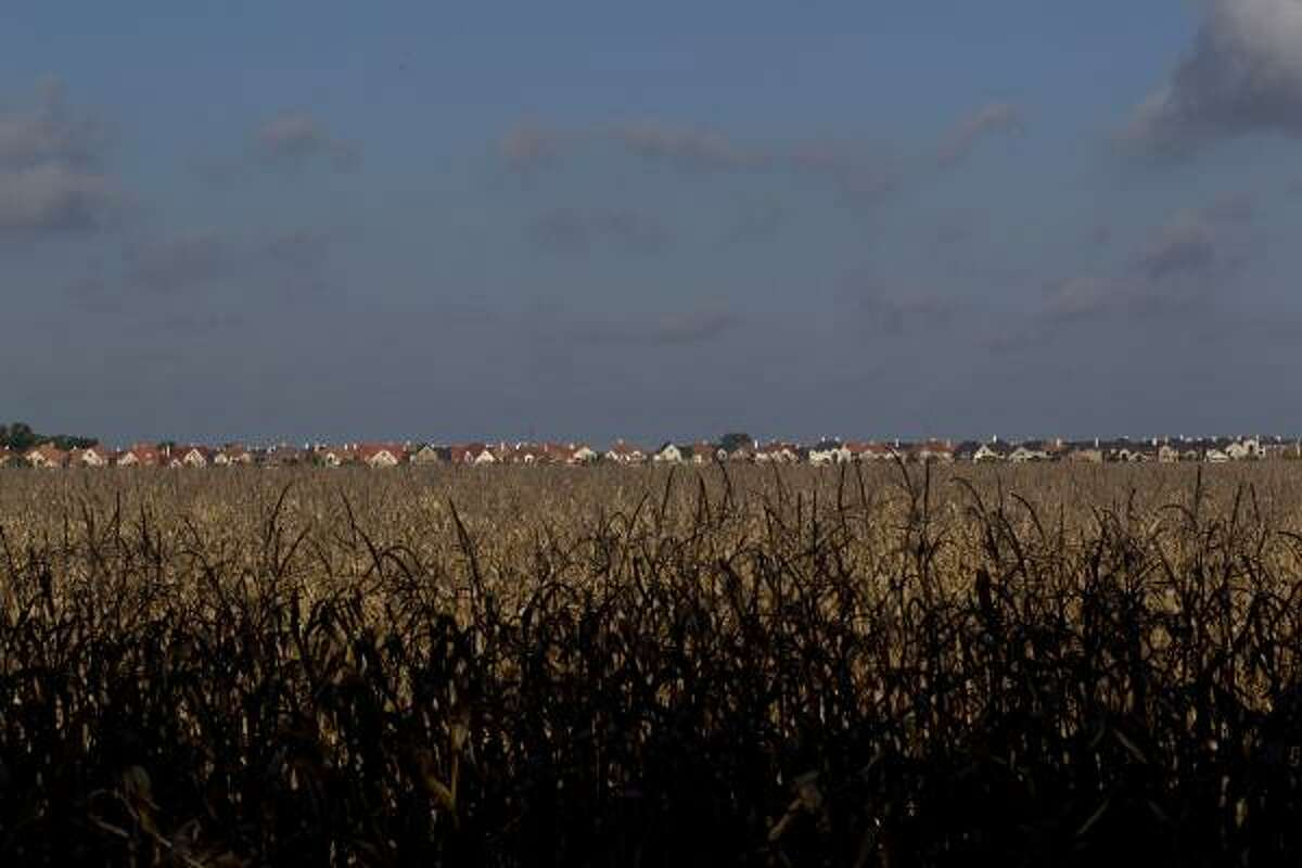 In 2001 more than 350 homes began to sprout up in the Chelsea Harbour neighborhood in Sugar Land where the Fort Bend County population was at just over 350,000. Today, farmland in the county is becoming more scarce as the population has jumped 57 percent since 2000 to more than 556,000 today.