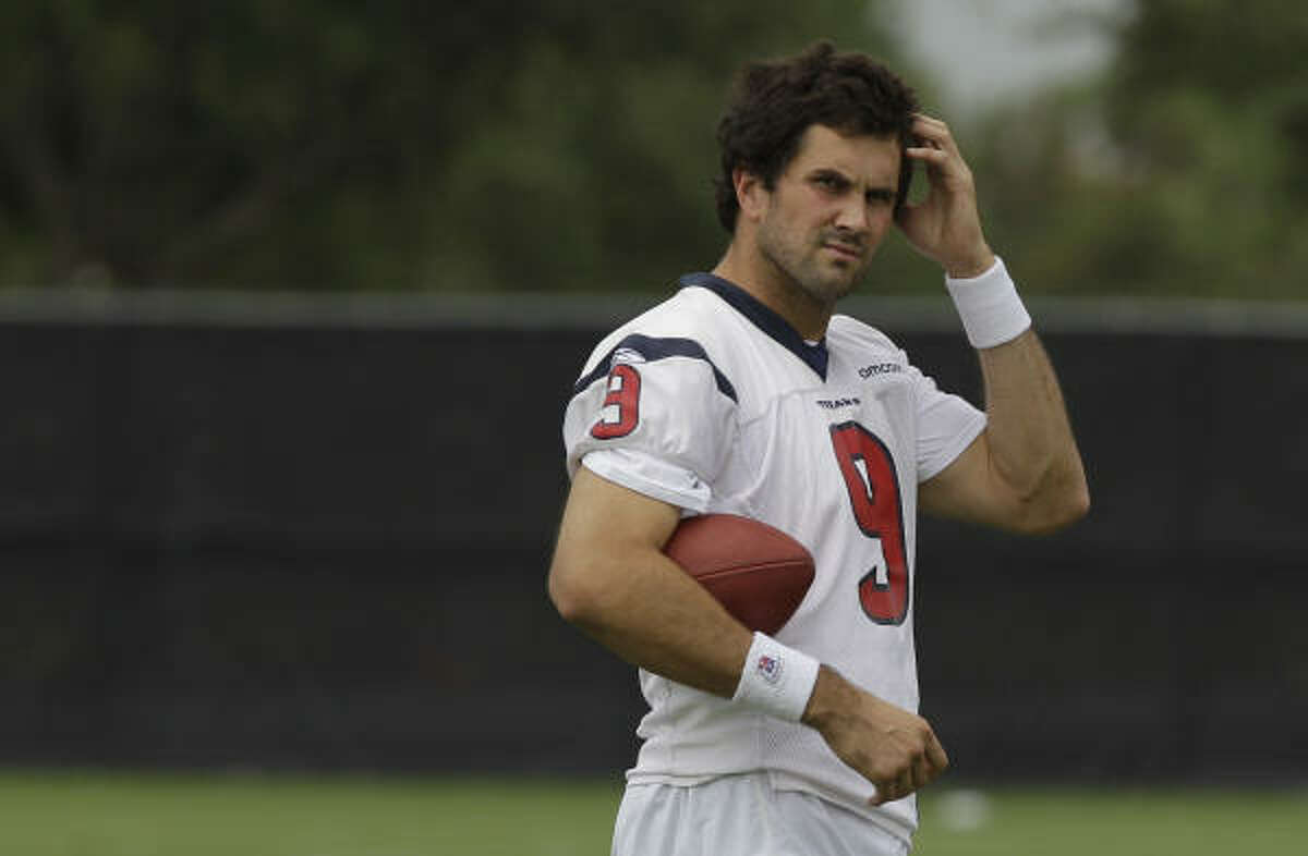Matt Leinart scratches his head. Leinart spent much of practice watching Schaub and Orlovsky work.
