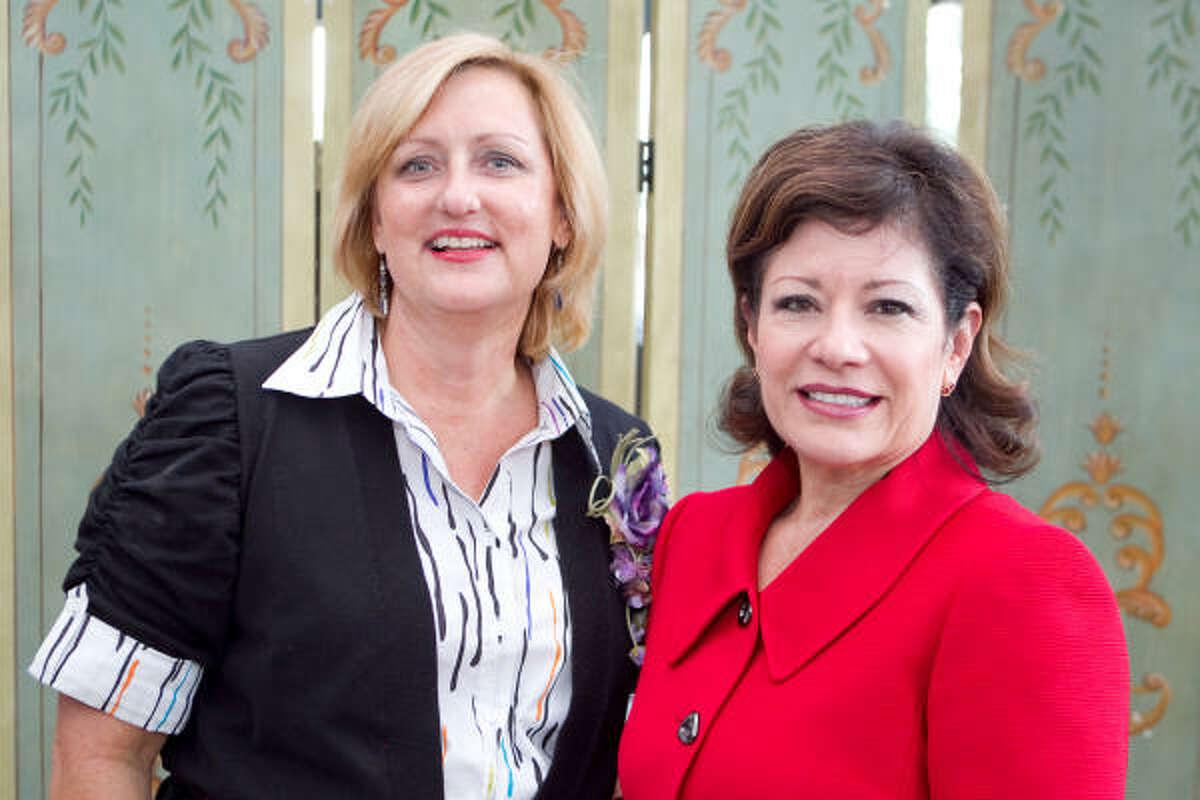 Holly Montalbano, left, and Irma Diaz-Gonzalez