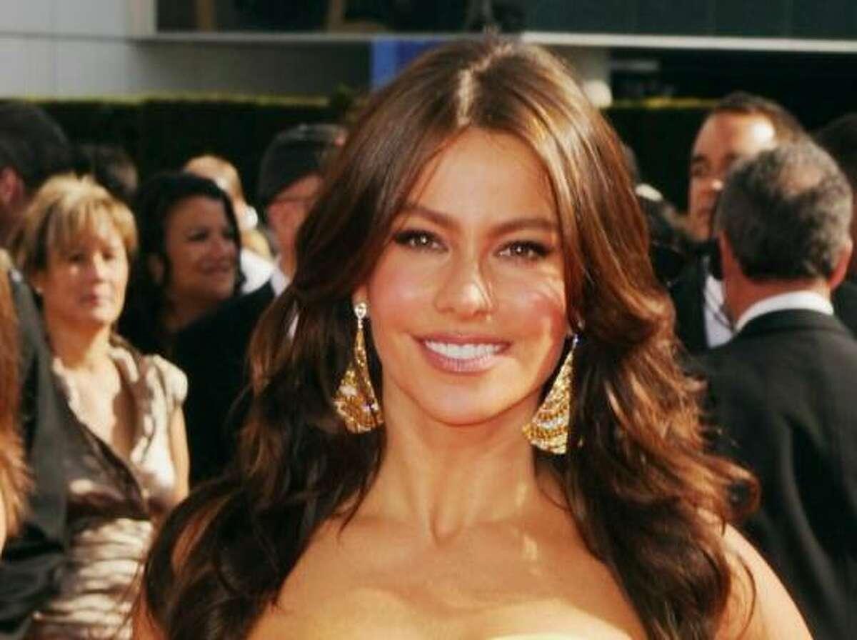 Modern Family's Sofia Vergara is golden in Carolina Herrera.