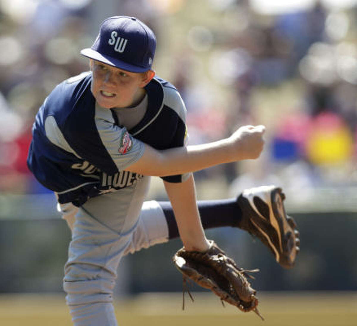Pearland's Jaron Roblyer delivers during the first inning against Taiwan.