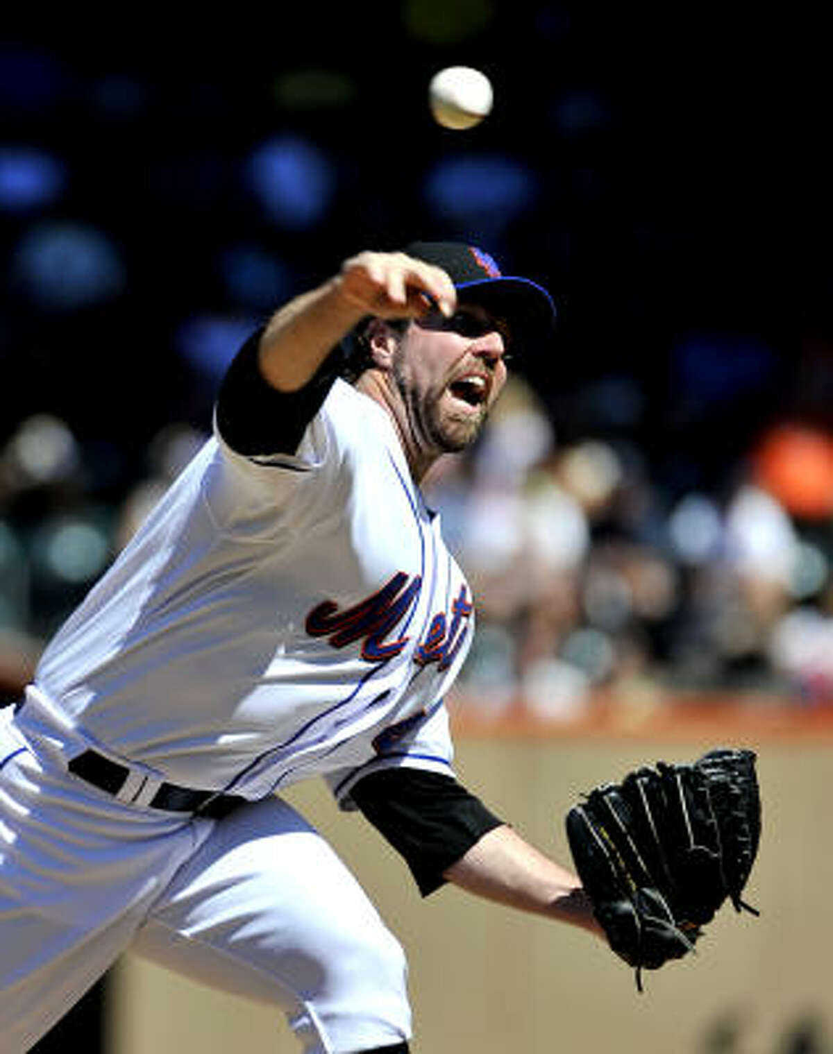Mets starter R.A. Dickey held the Astros to one run in seven innings. The knuckleballer lowered his ERA to 2.56.